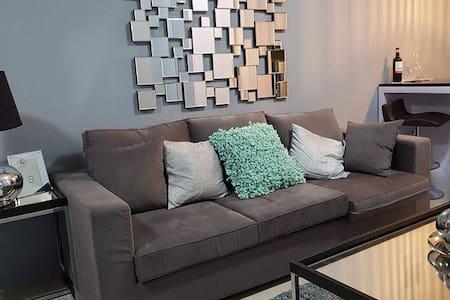 FullyFurnished 1Bedroom@ShellResidences MallofAsia - Pasay - Apartment