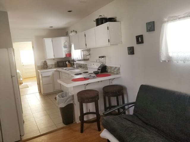 Comfortable guest house in uptown Butte