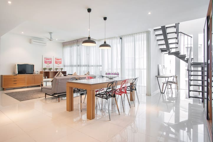 *Unique Private Penthouse @ Damansara Jaya*