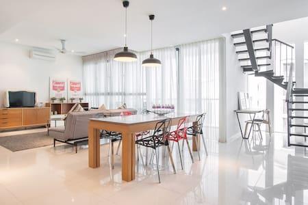 *Unique Private Penthouse @ Damansara Jaya*