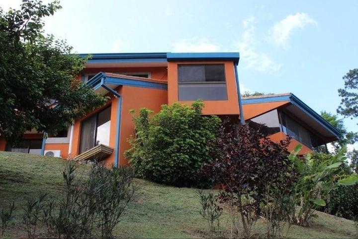 Casa de Campo grande com bela vista dos Campos