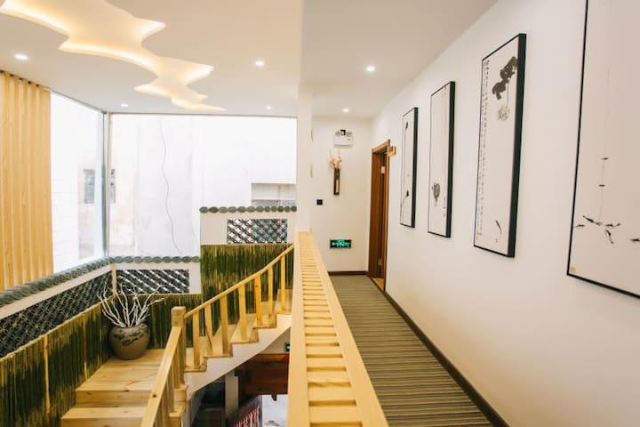 留苑民宿【拈花】,建水古城最美禅意民宿,享受淡雅生活
