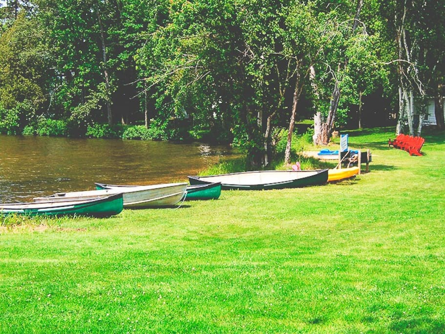 We to complimentary canoes, rowboats, kayaks, and paddleboats.