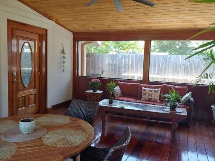 Charming bungalow in Downtown Pensacola