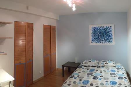 Chambre, SDB et terrasse privative -  16 m2 - ESC - Saint-Grégoire