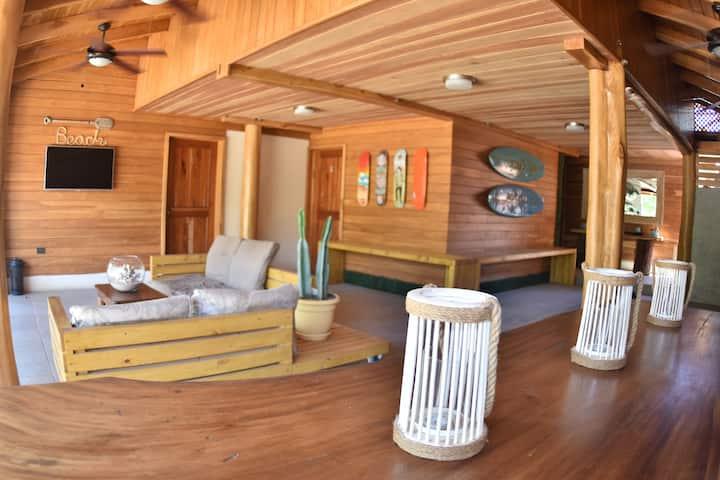 Casa Aura Beachfront: Quadruple Private Room