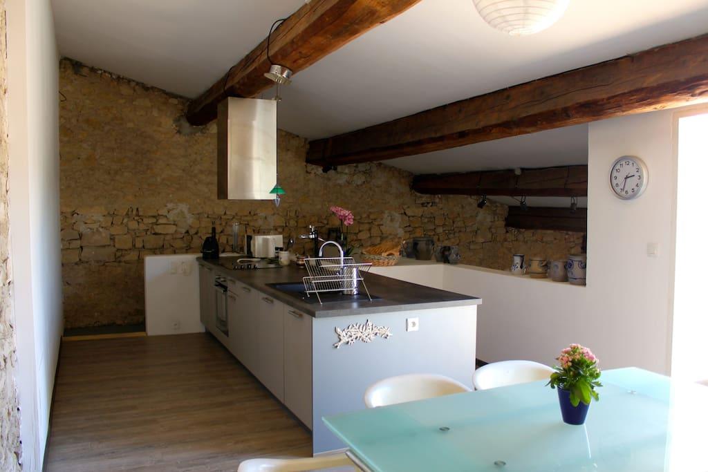 Magnifique atelier d 39 artiste transform en loft lofts for Loft atelier a louer