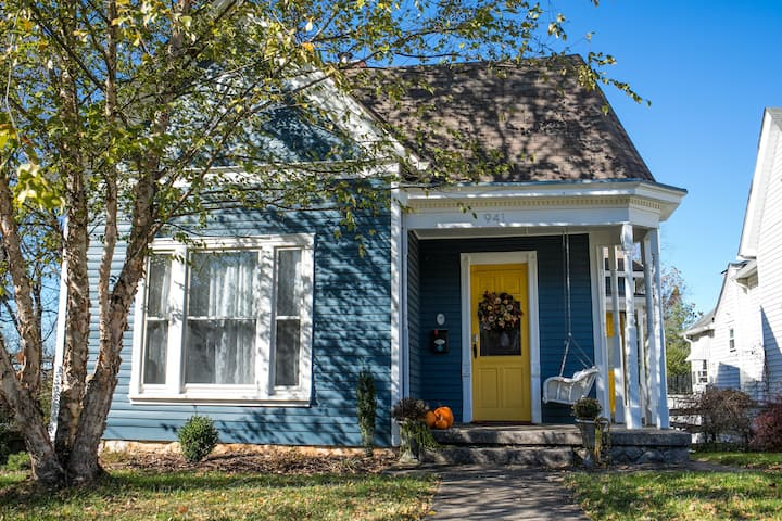 Blue House Paradise on Park Street!