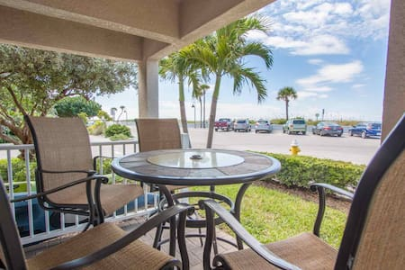 Beachfront in Pass-A-Grille! Fantastic Location. All Upgraded. - St. Pete Beach