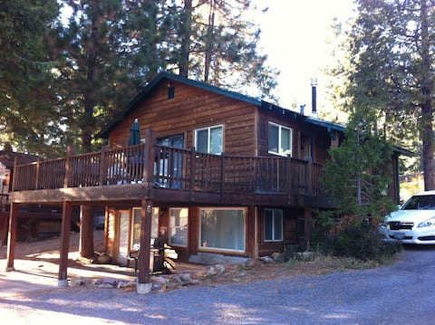 Remodeled cabin w/ large deck and lovely lake view