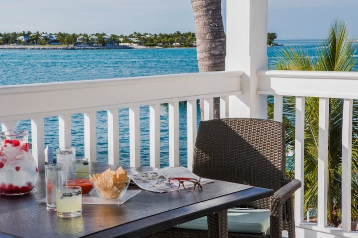 2BR Sunset Harbor Oasis in the Heart of Key West2