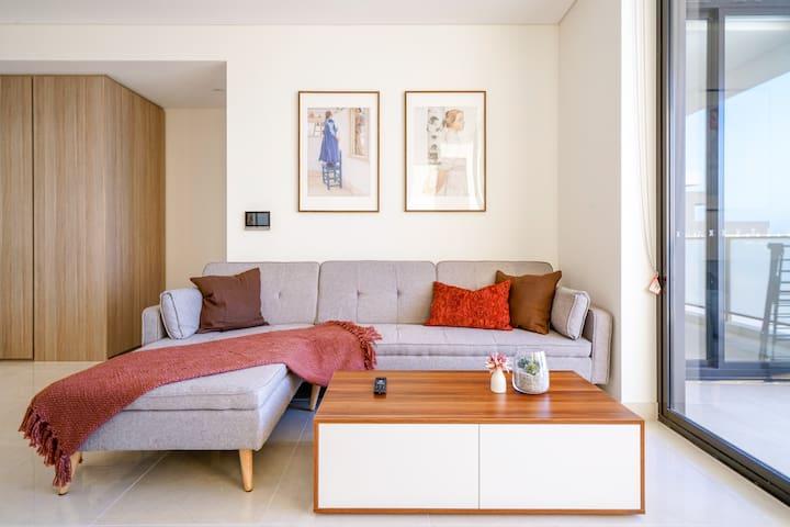 HH-06 Hurstville Luxury Suite 2-bedroom Top level