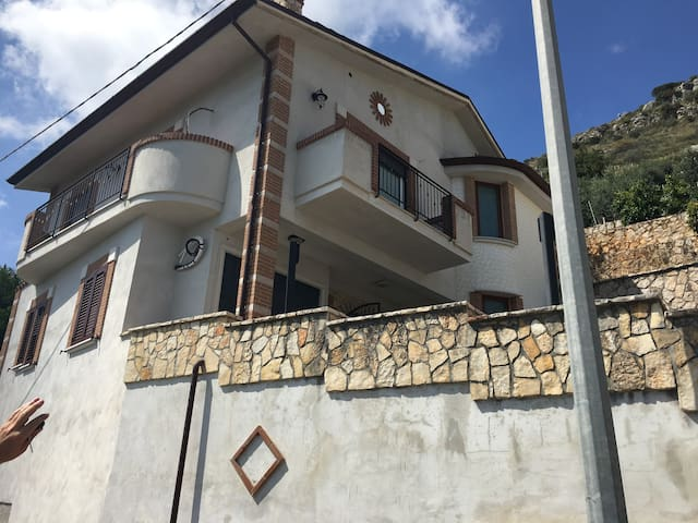 Villino panoramico - Monte San Biagio - Apartemen