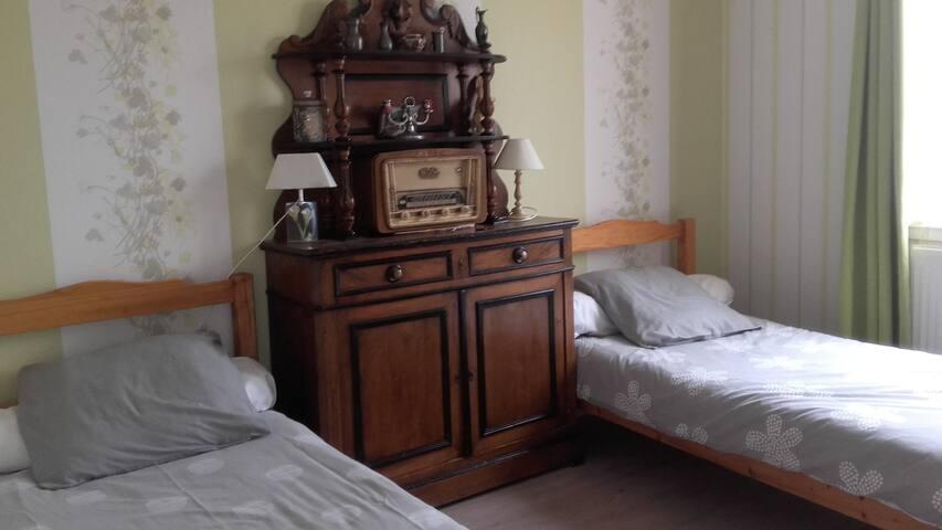 Chambre à 2 lits de 90
