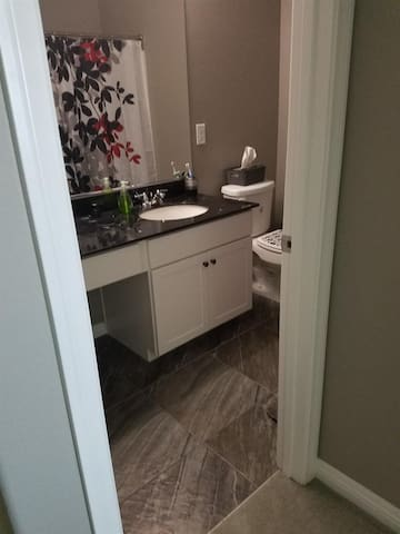 Quiet and private bedroom bathroom close to strip