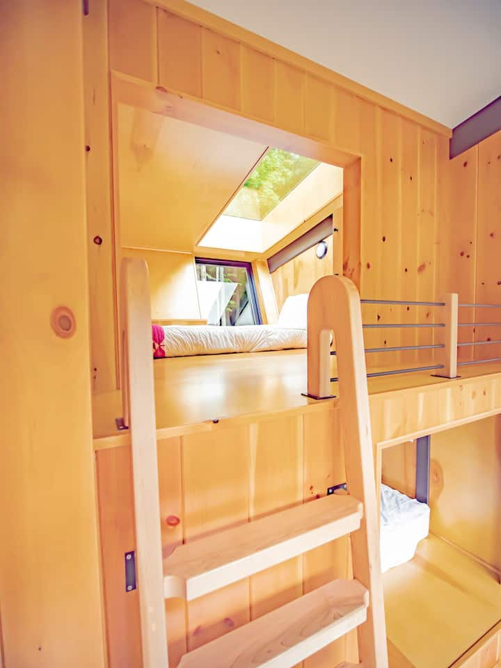 River Mountain Glamping Pod for Two- Shared Cabin