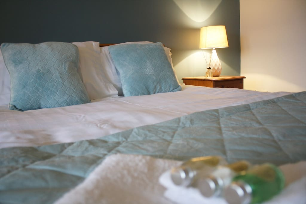 Bedroom 1 - double bed + sofa couch + ensuite
