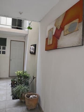 Studio w/Bathroom - Residencial
