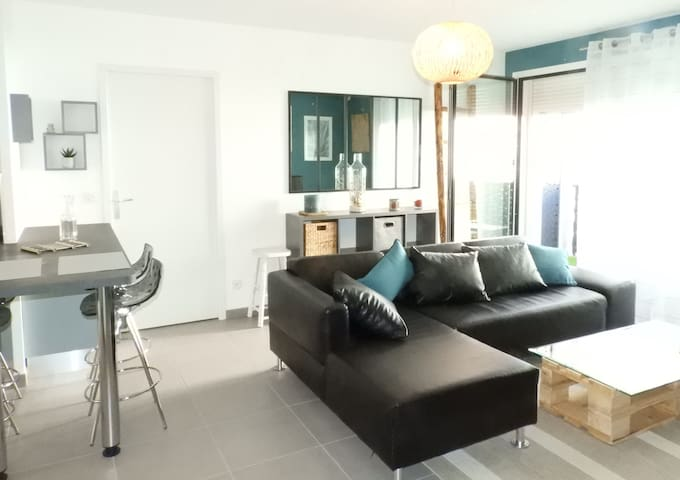 New. Agréable Appartement  2 Chambres