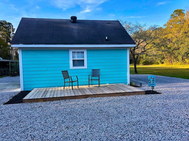 Sunnyside Inlet Cottage  **Dog friendly**