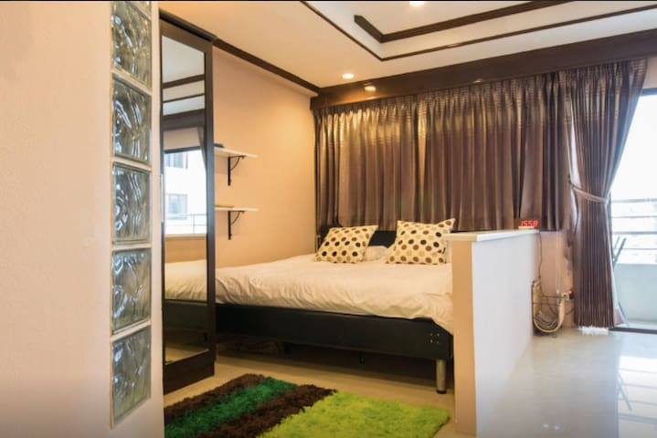 Studio w/view!- Walk2 Shopping, Nightlife, BTSNana - Bangkok - Appartement