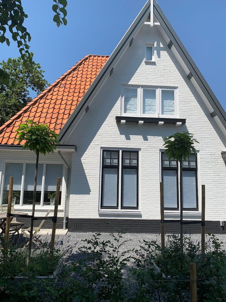 Luxe famillie villa in Heiloo