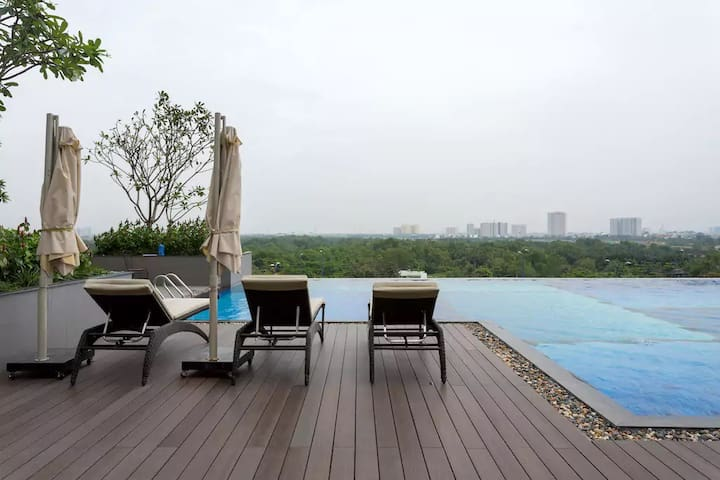Industrial apt,rooftop pool,bar inside,near centre - Ho Chi Minh City - Lägenhet