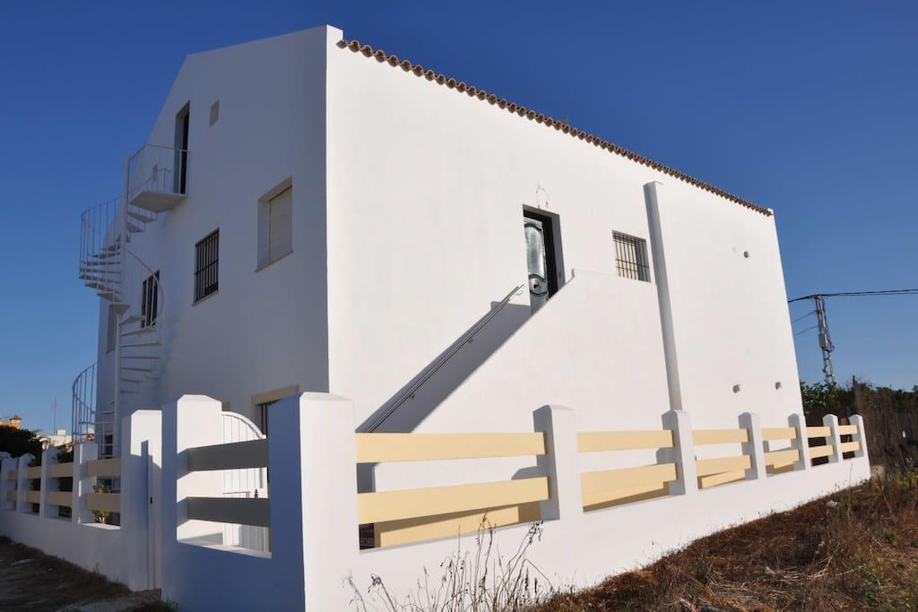 Edificio en el que se ubica el apartamento Levante