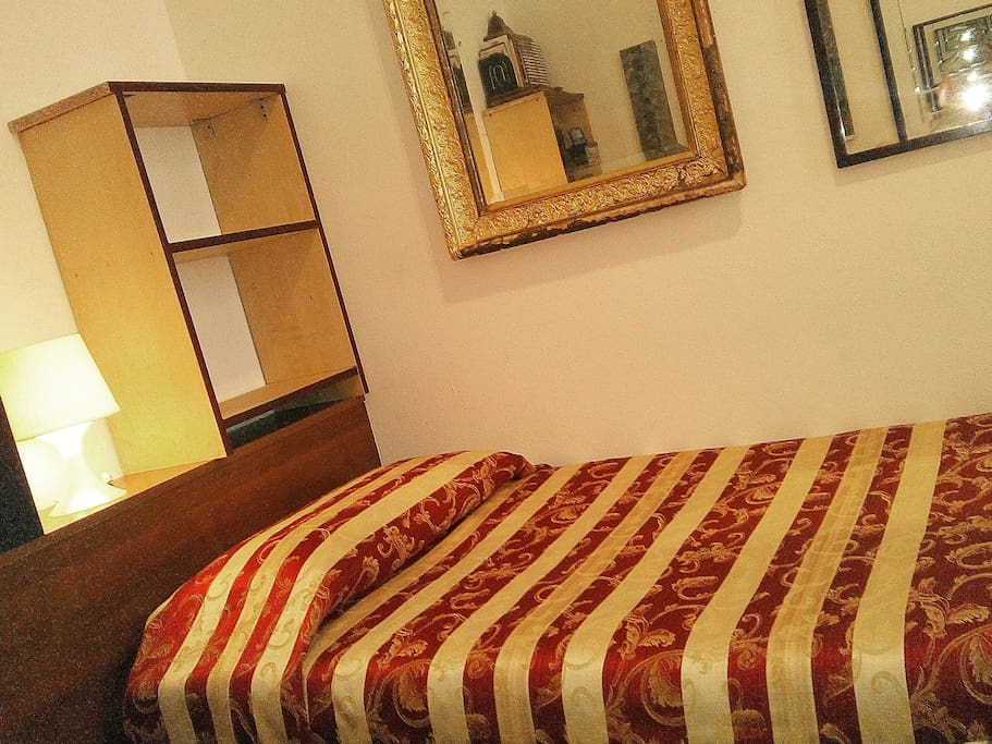 wide single bed