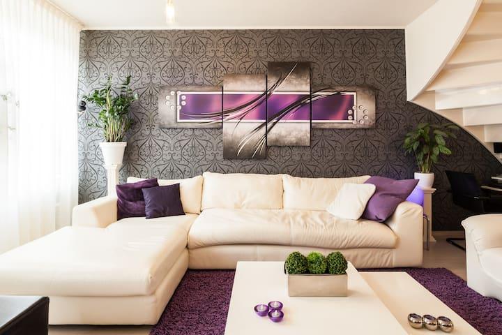 Eenvoudige kamer 10 M2 comfortabel.Super reviews - Enschede - House