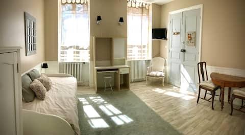 """Studio """"déco"""" tout confort dans Maison de maître"""