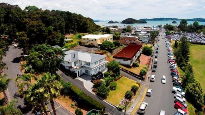 Flat and Studio combo in Central Paihia