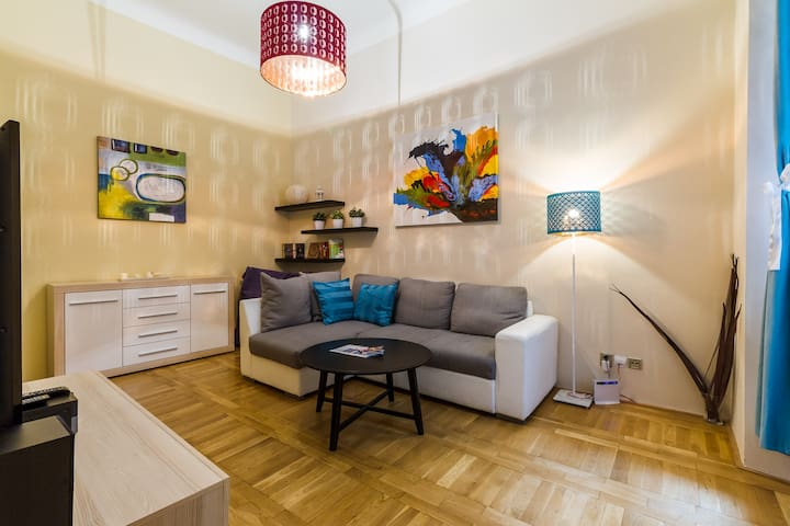 3minutes walk from Old Town Square!
