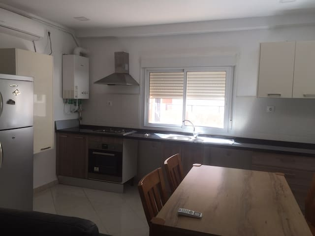 Agréable Appartement F3 à Akid Lotfi