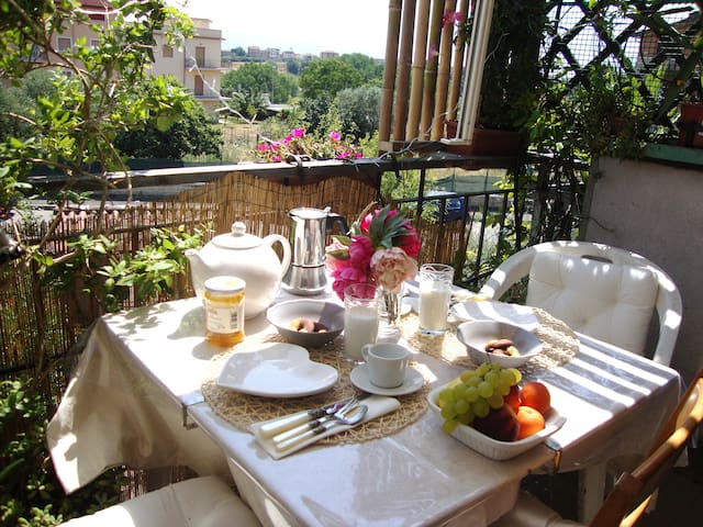 Casa Italia - chic, sunny apartment close to train - Roma - Daire