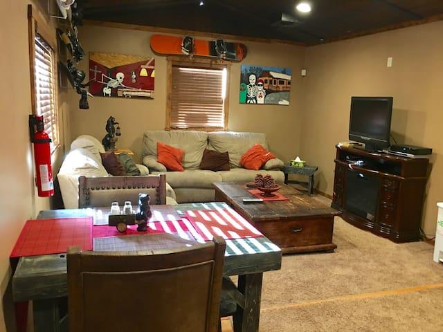 Beautiful 2 bedroom Cabin - Sugarloaf - Dom