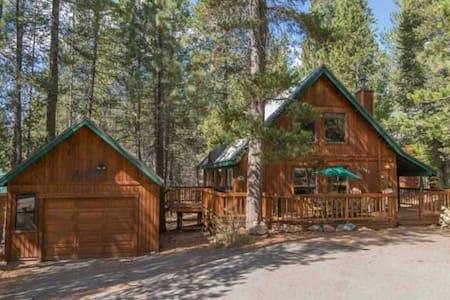 Cozy Cabin in Tahoe Donner