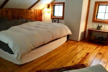 Spacious loft with king size bed