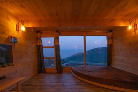 Stylish Hut Near The Khajjiar Lake