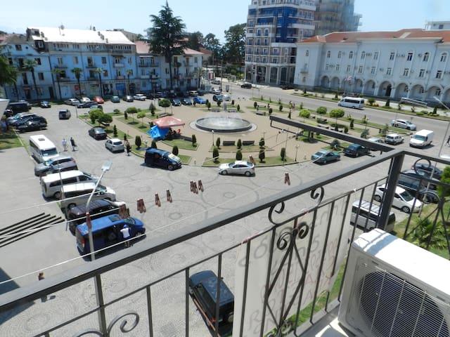 Апартаментый  в Кобулети центре города