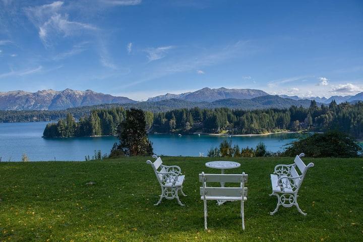 Luxury villa in Patagonia, Villa la Angostura