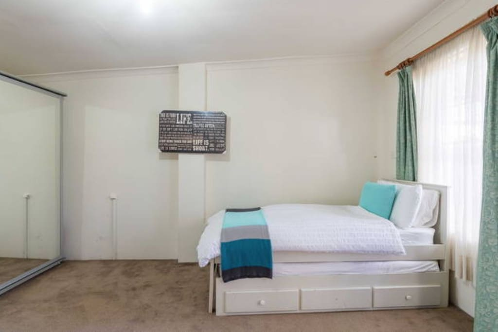 Large studio sized room perfect for 1-2 people