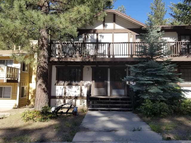 Best location in Big Bear-close to lake-Pets Ok