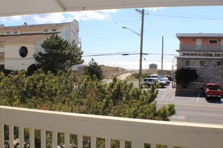 Beach Haven ...steps to beautiful Brigantine Beach - Brigantine - Condominium