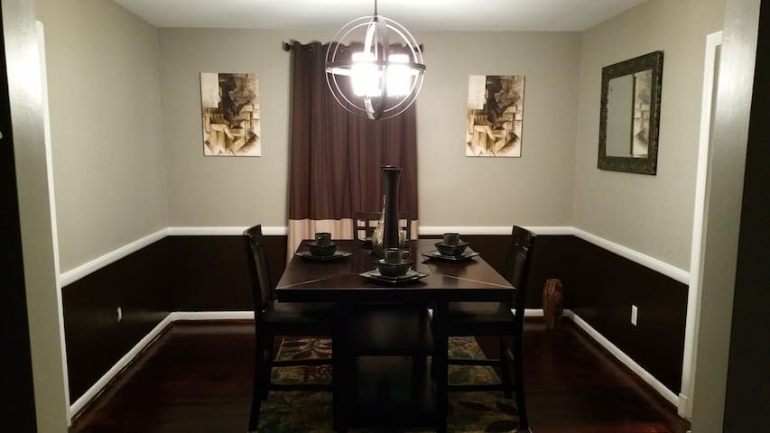 Clean, Peaceful, & Quiet near MCM AND D.C Harbor - Brandywine - House