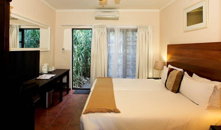 Deluxe Double room in Cozy hotel Windhoek