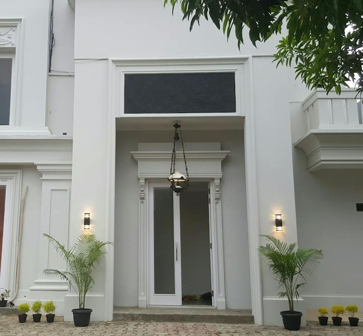 Private cozy well furnished rooms