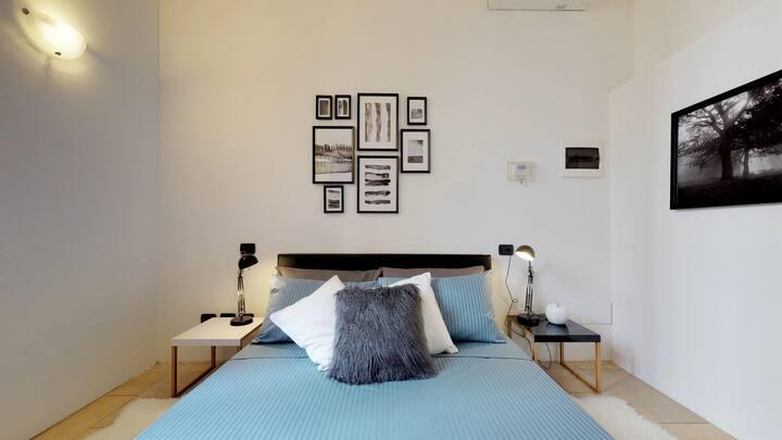 Apartment with private garden near San Siro