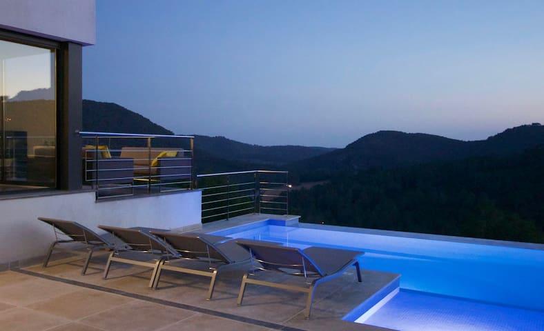 Luxury, designer villa near Sitges - Olivella - Villa