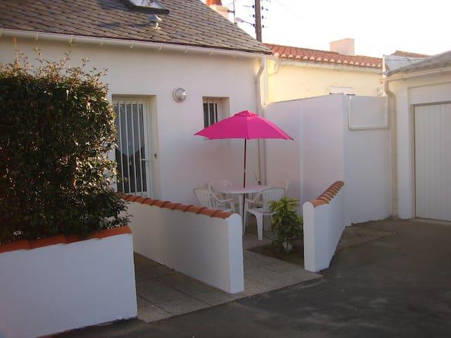 Charmante petite maison à la chaume - Les Sables-d'Olonne
